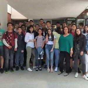 НПГ репортерите и ученици от 8. а и 8. в клас  се срещнаха с журналистката Мария Чернева