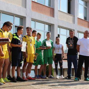 Неврокопската професионална гимназия тържествено посрещна своите спортни шампиони