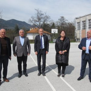 """Посещение на министър Вълчев в НПГ """"Димитър Талев"""""""