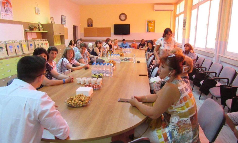 "НПГ "" Д.Талев"" обмени добри практики с други професионални гимназии"